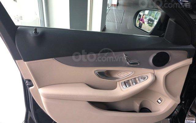Mercedes C180 - 2020 giảm ngay 55 triệu + tặng bảo hiểm + tặng 2 năm bảo dưỡng miễn phí4