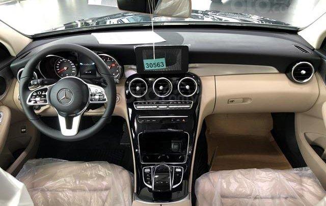 Mercedes C180 - 2020 giảm ngay 55 triệu + tặng bảo hiểm + tặng 2 năm bảo dưỡng miễn phí6
