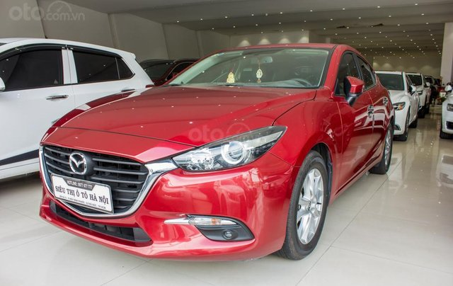Bán Mazda 3 sản xuất năm 2017, xe gia đình, trả góp 5 năm chỉ từ 199 triệu0