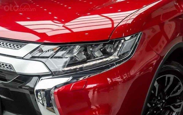 Bán xe Mitsubishi Outlander 2.0 CVT Premium sản xuất năm 2020, màu đỏ1