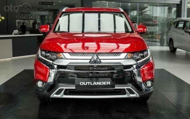 Bán xe Mitsubishi Outlander 2.0 CVT Premium sản xuất năm 2020, màu đỏ3