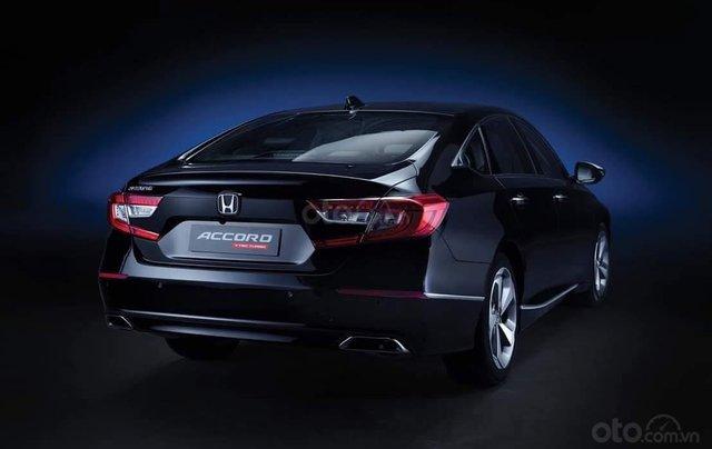 Honda Accord 2019 KM lên đến 100tr TM2
