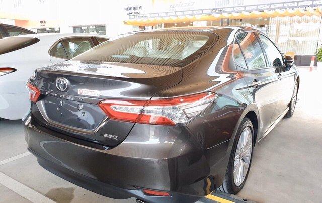 Bán Toyota Camry 2.5Q màu nâu nhập Thái giao ngay2