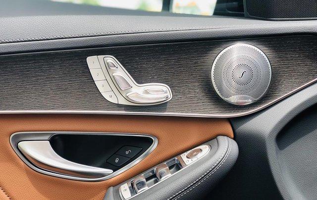 Mercedes-Benz C300 2020 lướt chính hãng, 19 km, giá siêu tốt12
