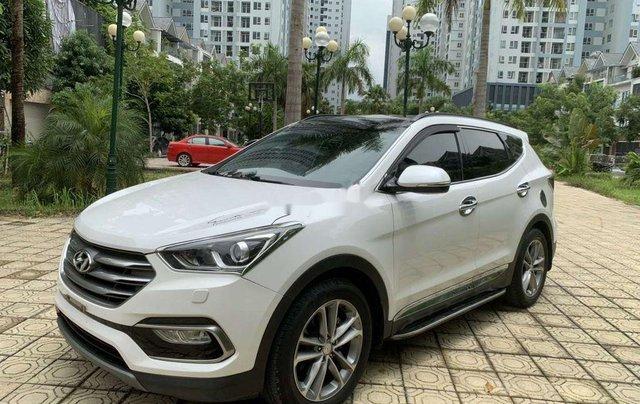 Cần bán Hyundai Santa Fe năm 2017, màu trắng còn mới 2
