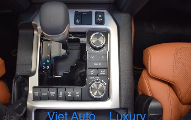 [Việt Auto Luxury] Toyota LandCruizer VXS phiên bản 4 chỗ và 8 chỗ. Nhập khẩu mới 100%, hỗ trợ giảm tiền mặt 100tr6