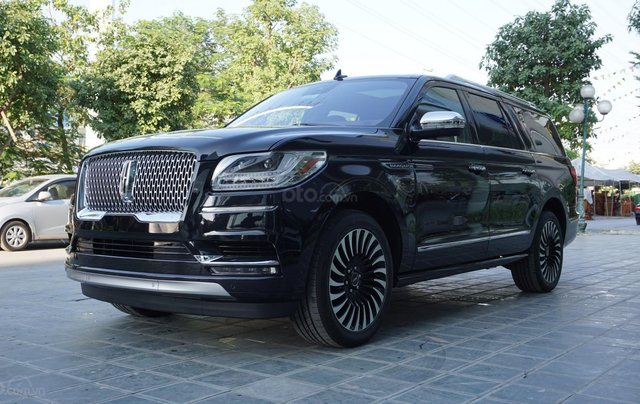 Cần bán xe Lincoln Navigator Black Label L mới 100%, xe có sẵn giao ngay tại TP HCM1