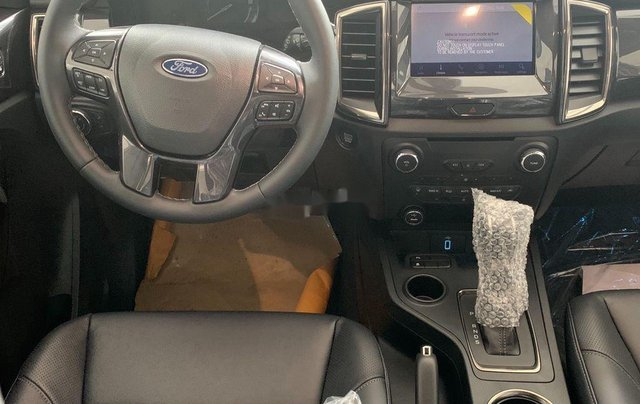 Bán ô tô Ford Everest 2020, màu đỏ, nhập khẩu nguyên chiếc5