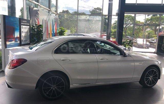 Mercedes C200 Exclusive - 2020 giảm ngay 50tr + tặng BHVC + tặng 2 năm bảo dưỡng miễn phí3