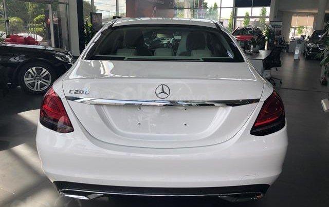 Mercedes C200 Exclusive - 2020 giảm ngay 50tr + tặng BHVC + tặng 2 năm bảo dưỡng miễn phí4
