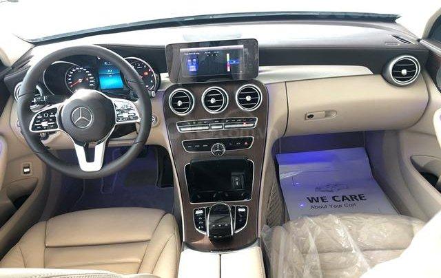 Mercedes C200 Exclusive - 2020 giảm ngay 50tr + tặng BHVC + tặng 2 năm bảo dưỡng miễn phí9