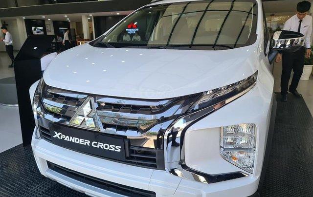 Bán xe Mitsubishi Xpander Cross năm 2021, màu trắng, nhập khẩu nguyên chiếc. Tặng bảo hiểm thân vỏ0