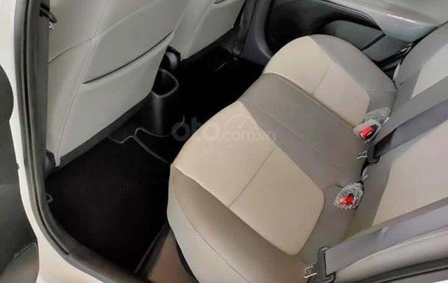 Bán ô tô Kia Soluto 1.4 MT Deluxe đời 2020, màu trắng, 399 triệu2