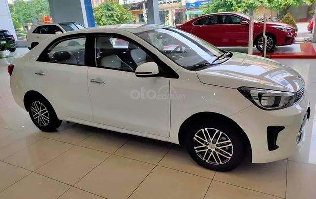 Bán ô tô Kia Soluto 1.4 MT Deluxe đời 2020, màu trắng, 399 triệu0