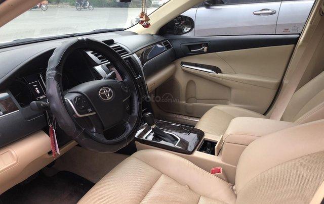Cần bán Toyota Camry 2.0E số tự động, màu nâu vàng, biển số thành phố, xe cá nhân gia đình sử dụng đi 28.673 km, xe còn rất mới5