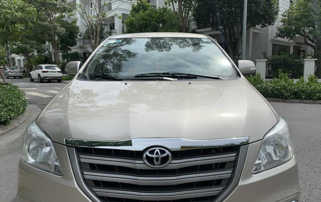 Cần bán gấp Toyota Innova 2.0E sx 2016, xe gia đình giá tốt 410 triệu đồng14