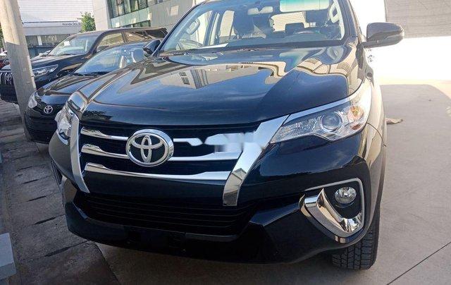 Bán xe Toyota Fortuner 2.4 AT 4X2 sản xuất 2020, tặng 1 năm bảo hiểm thân vỏ1