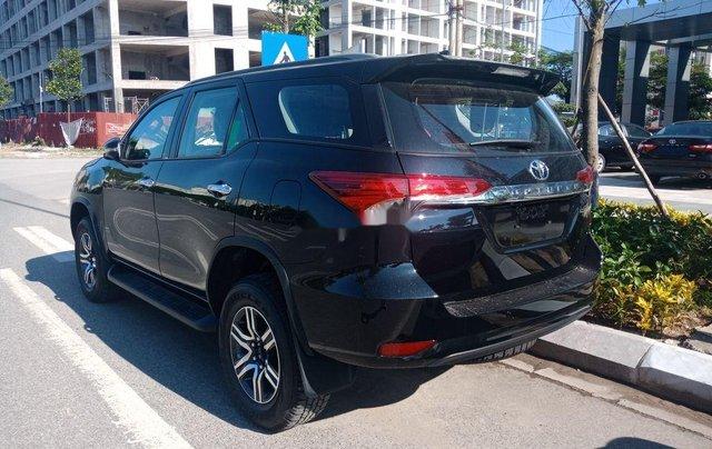 Bán xe Toyota Fortuner 2.4 AT 4X2 sản xuất 2020, tặng 1 năm bảo hiểm thân vỏ2