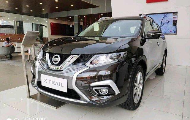 Ưu đãi khủng chưa từng có khi mua xe Nissan X-trail 2.5 đời 2020 màu xanh đen tại Quảng Bình0