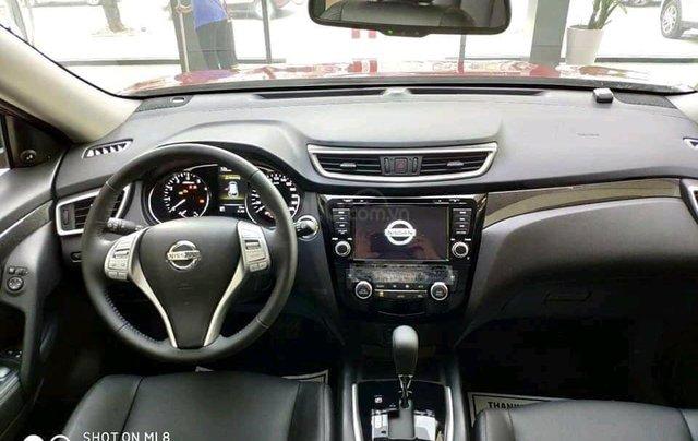 Ưu đãi khủng chưa từng có khi mua xe Nissan X-trail 2.5 đời 2020 màu xanh đen tại Quảng Bình2