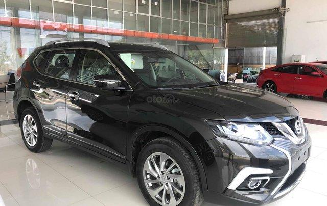 Ưu đãi khủng chưa từng có khi mua xe Nissan X-trail 2.5 đời 2020 màu xanh đen tại Quảng Bình7