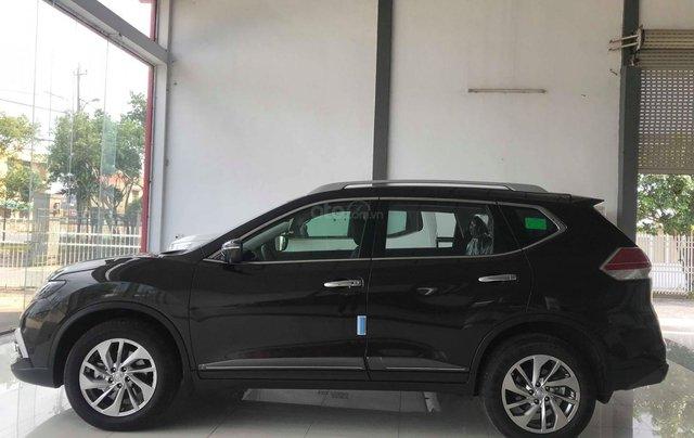 Ưu đãi khủng chưa từng có khi mua xe Nissan X-trail 2.5 đời 2020 màu xanh đen tại Quảng Bình8