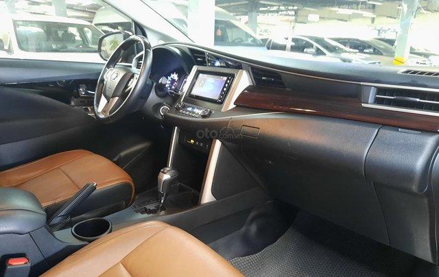 Bán Toyota Innova Venturer đời 2018, màu đỏ, xe gia đình sử dụng đi 38.115 km, đã check hãng, quý khách yên tâm sử dụng4