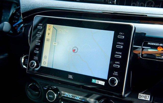 Nam Toyota Kon Tum bán xe Hilux mới nhập khẩu nguyên chiếc7