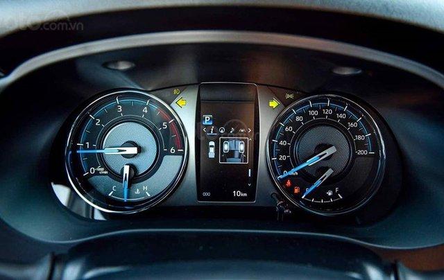 Nam Toyota Kon Tum bán xe Hilux mới nhập khẩu nguyên chiếc6