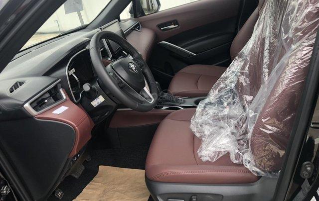 Bán ô tô Toyota Corolla Cross 1.8V màu đen nội thất đỏ giao ngay3