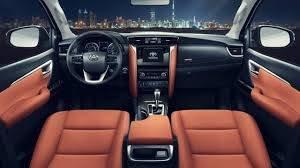 Cần bán xe Toyota Fortuner 2.7V năm sản xuất 2020, màu trắng3