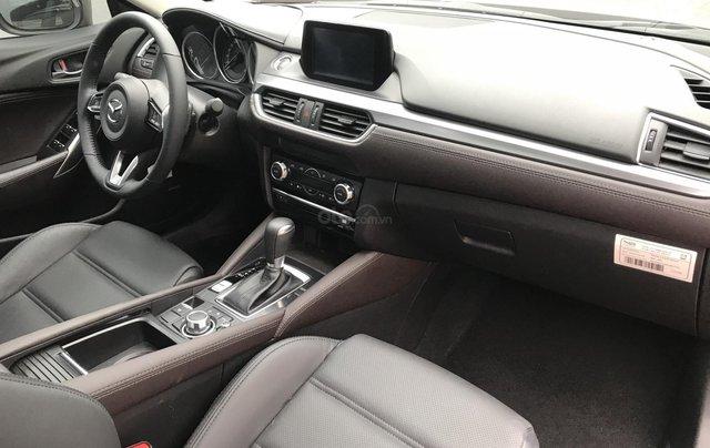 Mazda 6 2.5 Premium 2019 màu đỏ nồng cháy11