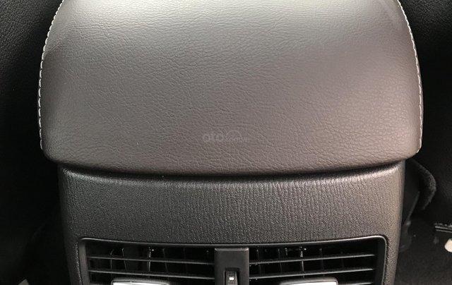 Mazda 6 2.5 Premium 2019 màu đỏ nồng cháy13