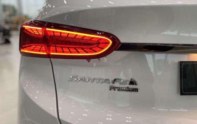 Bán Hyundai Santa Fe đời 2020, màu trắng5