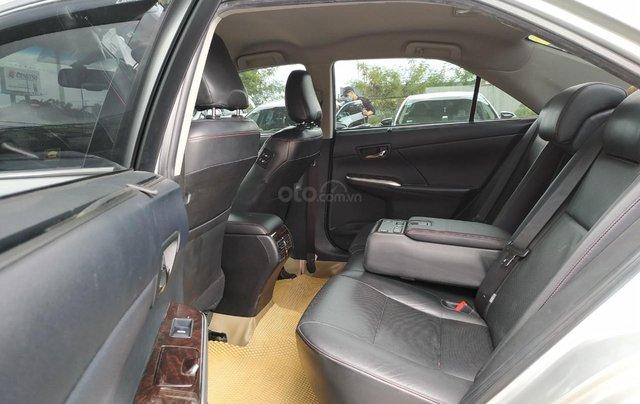 Camry 2.5Q 2017 màu bạc, xe đẹp, biển số Sài Gòn, có trả góp, giá còn fix8