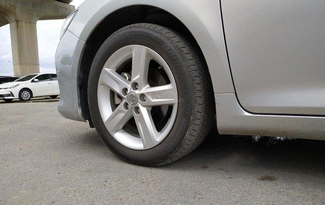 Camry 2.5Q 2017 màu bạc, xe đẹp, biển số Sài Gòn, có trả góp, giá còn fix12