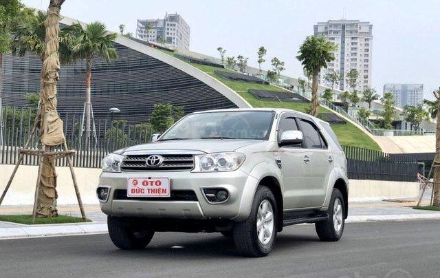 Toyota Fortuner 2.7V 20110