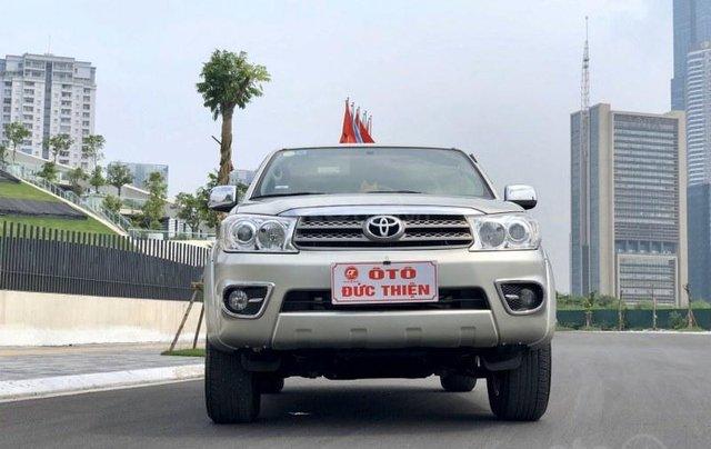 Toyota Fortuner 2.7V 20111