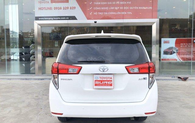 Cần bán xe Toyota Innova 2.0E MT 2018 màu trắng, công ty đi 47.000km - xe chất giá tốt chính hãng4