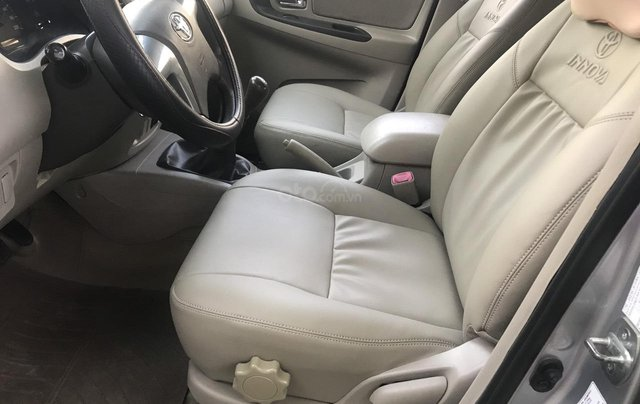 Bán xe Toyota Innova bản E SX 2014 số sàn xe gia đình2