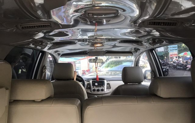 Bán xe Toyota Innova bản E SX 2014 số sàn xe gia đình3