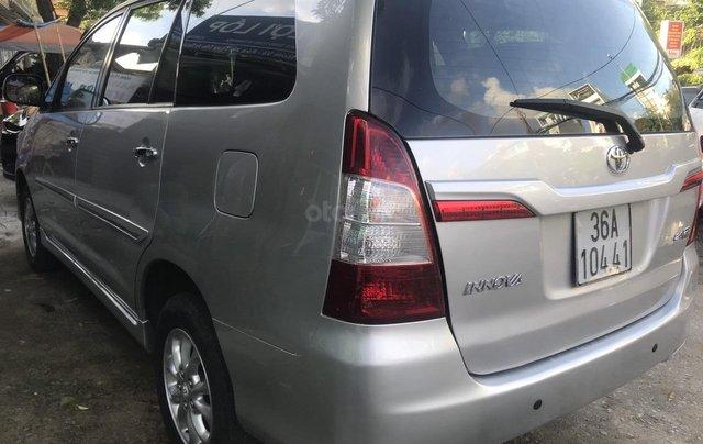 Bán xe Toyota Innova bản E SX 2014 số sàn xe gia đình4
