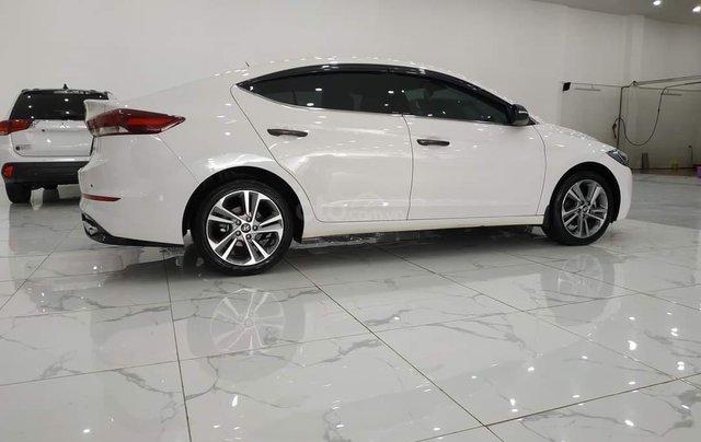 Elantra 2.0AT màu trắng 2018 Odo 1v8 bán tại chính hãng Hyundai Phạm Văn Đồng1
