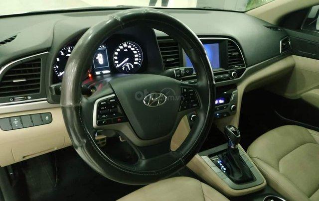 Elantra 2.0AT màu trắng 2018 Odo 1v8 bán tại chính hãng Hyundai Phạm Văn Đồng3