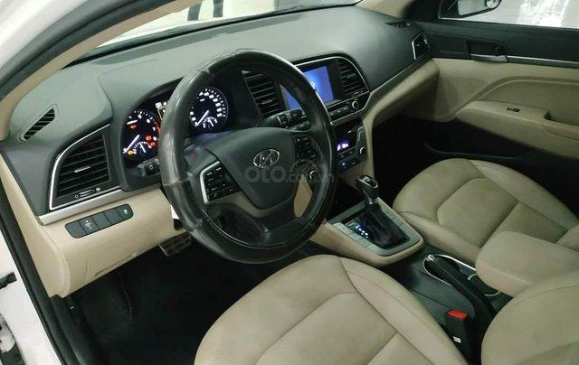 Elantra 2.0AT màu trắng 2018 Odo 1v8 bán tại chính hãng Hyundai Phạm Văn Đồng4