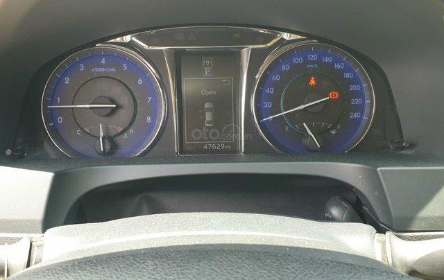 Bán Toyota Camry màu đen, xe gia đình sử dụng-Bán ra tại hãng - km giảm giá tiền mặt + tặng kèm phụ kiện chính hãng10