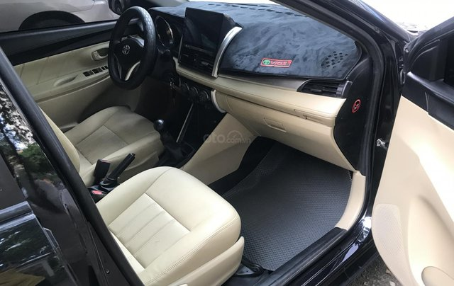 Bán Toyota Vios 2015 số sàn đẹp 300tr2