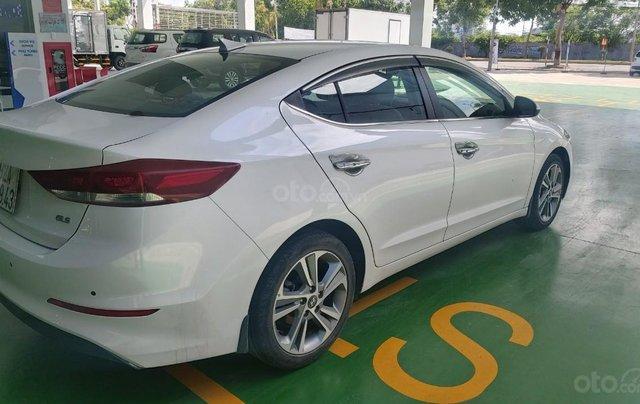 Bán xe Hyundai Elantra 2.0 AT, đăng ký tháng 01.20182