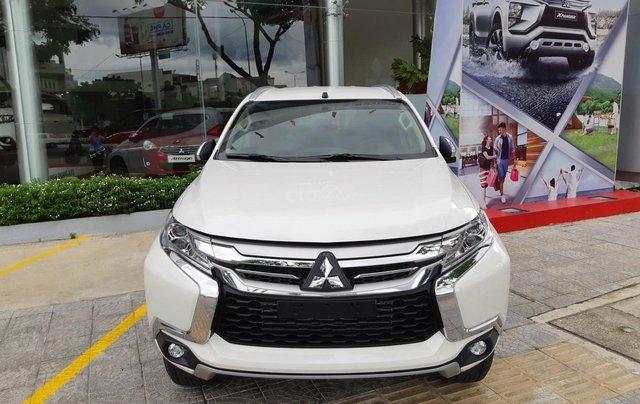 Mitsubishi Pajero Sport máy dầu, giá tốt nhất thị trường, số lượng có hạn, nhanh tay liên hệ0