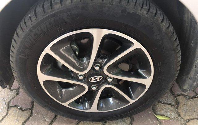 Cần bán xe Hyundai Grand i10 đk 2018, bản full 1.2, giá cạnh tranh9